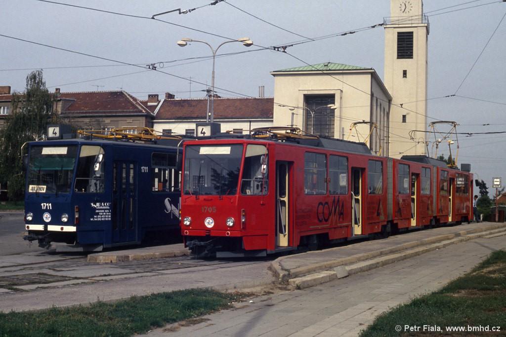 Fotogalerie » ČKD Tatra KT8D5 1705 | ČKD Tatra KT8D5 1711 | Brno | Masarykova čtvrť | náměstí Míru | Náměstí Míru