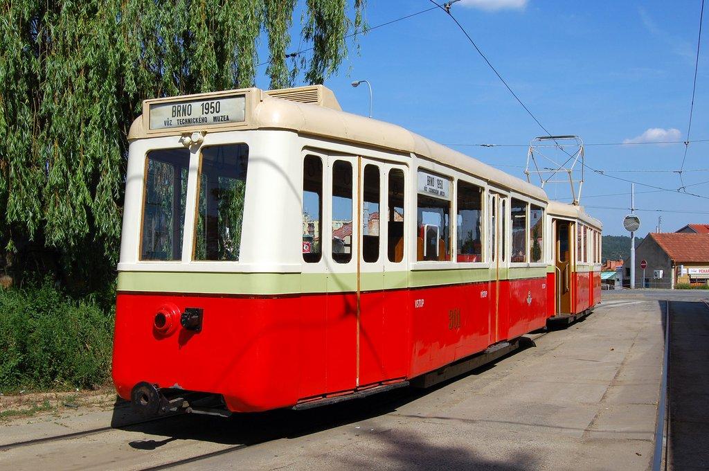 Fotogalerie » KPS Brno vv4 301 | KPS Brno 4MT 126 | Brno | Řečkovice | Terezy Novákové | Řečkovice, smyčka