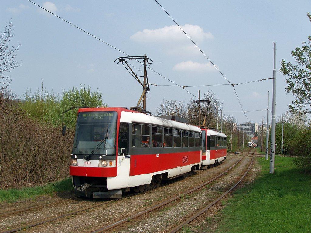 Fotogalerie » ČKD DS T3R 1667 | ČKD DS T3R 1668 | Brno | Žabovřesky | Kníničská