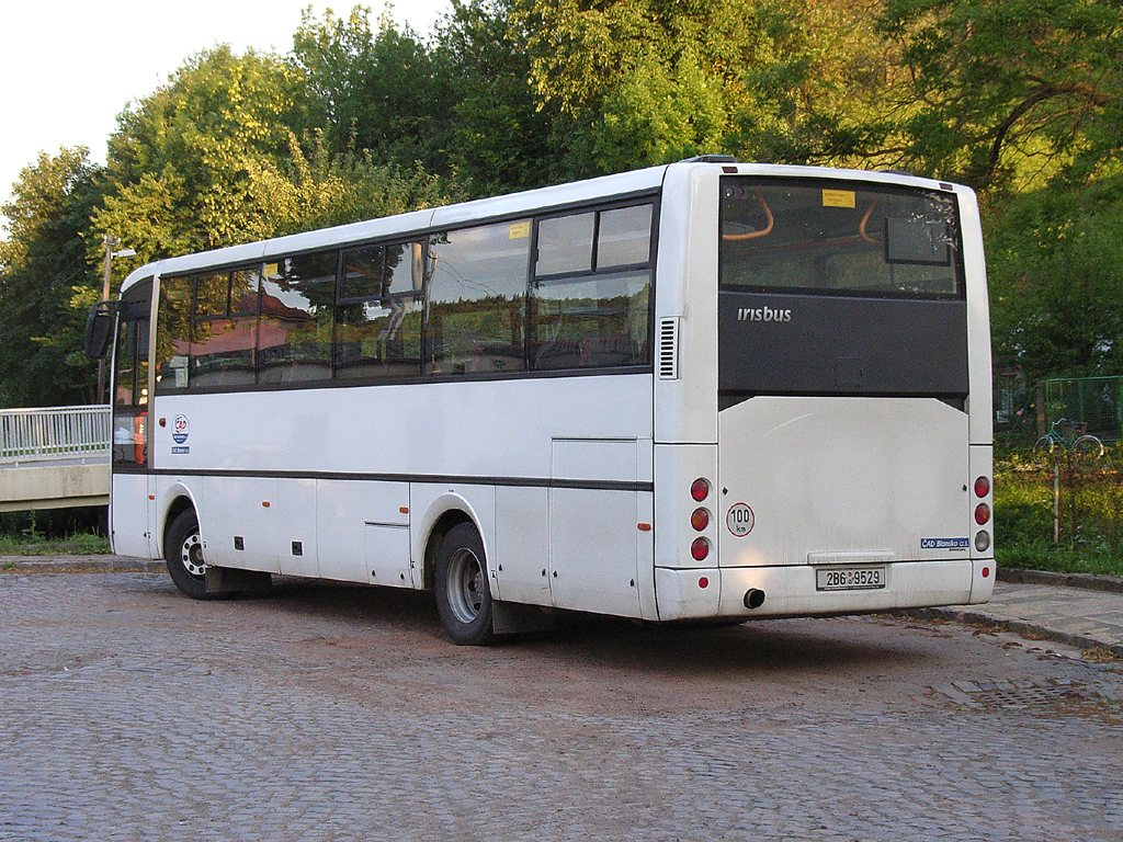Fotogalerie » Irisbus Midway 9.7M 2B6 9529 | Skalice nad Svitavou | Skalice nad Svitavou, žel. st.