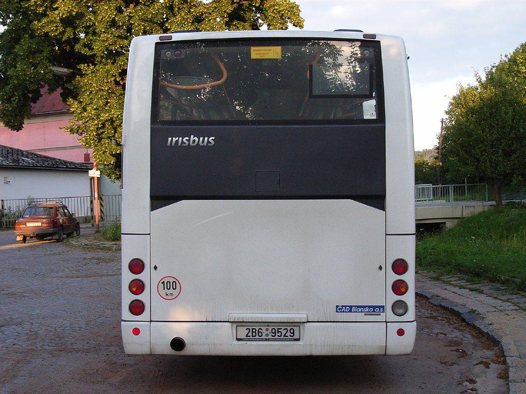 Fotogalerie » Irisbus Midway 9.7M 2B6 9529   Skalice nad Svitavou   Skalice nad Svitavou, žel. st.