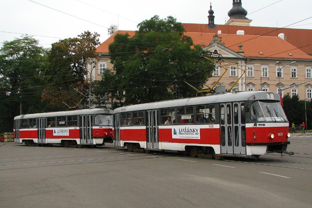 Fotogalerie » ČKD Tatra T3G 1635 | ČKD Tatra T3G 1636 | Brno | střed | Moravské náměstí