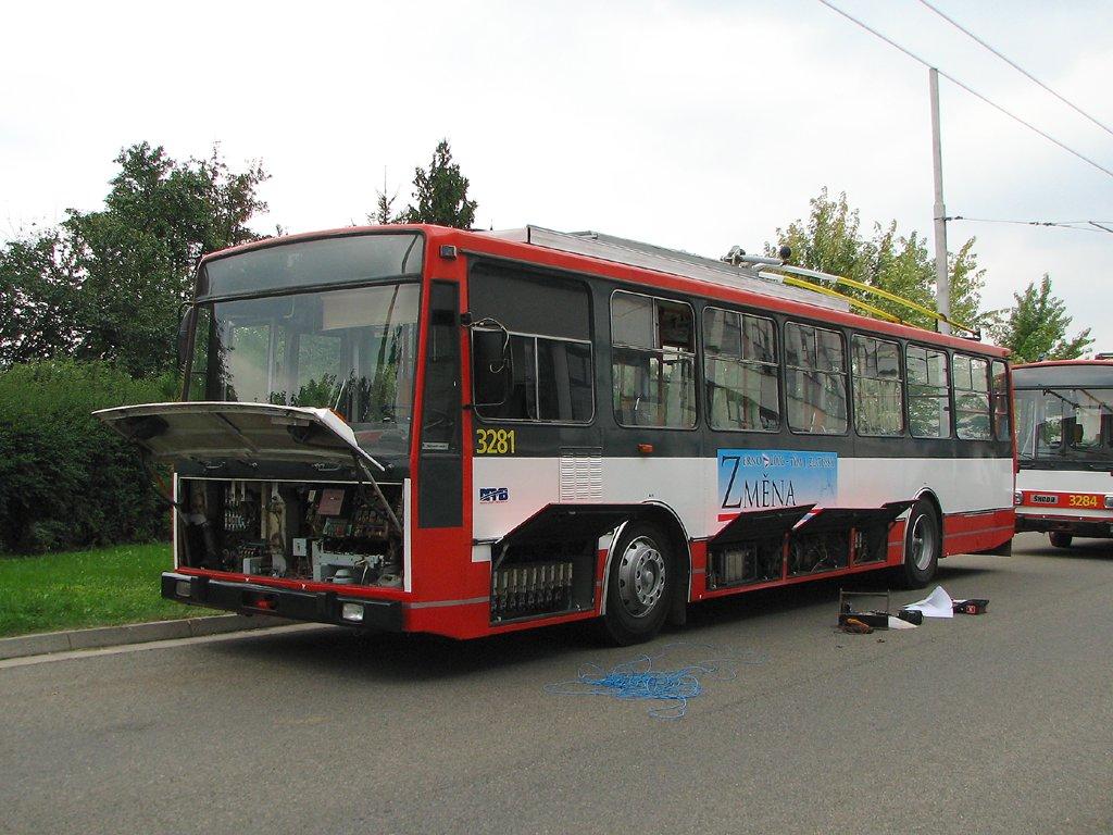 Fotogalerie » Škoda 14Tr17/6M 3281 | Brno | Komín | vozovna Komín