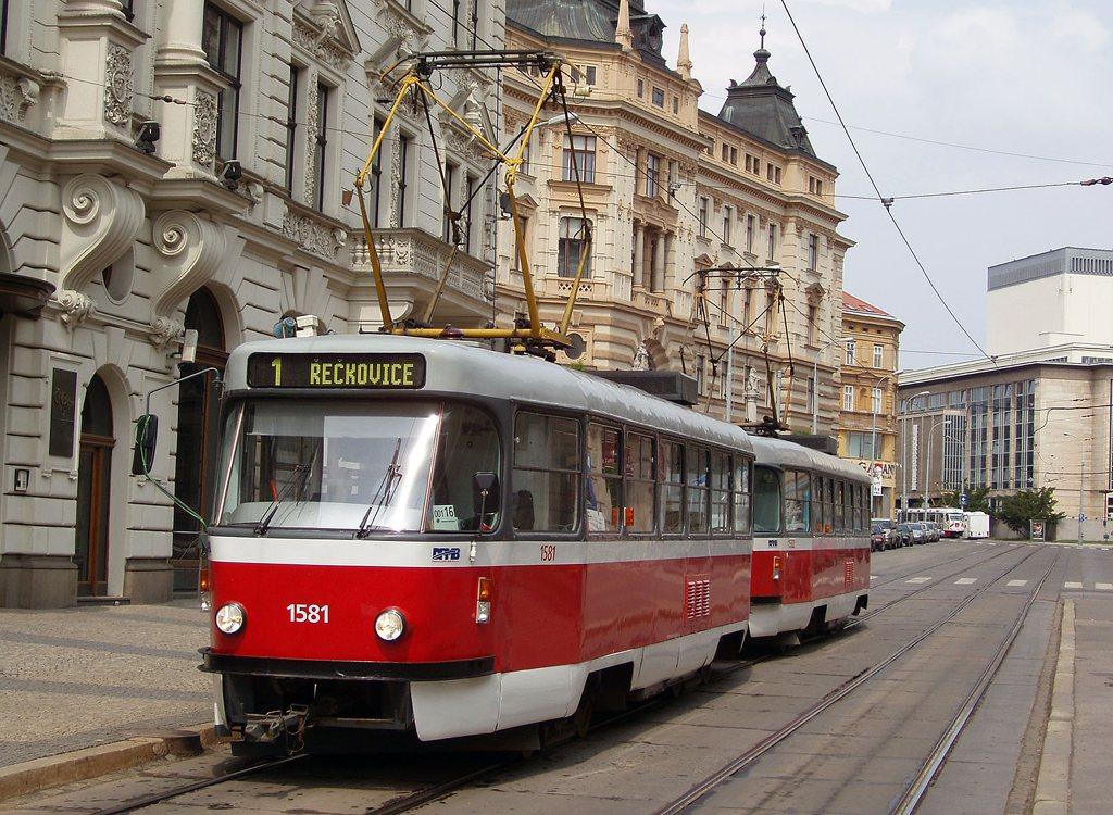 Fotogalerie » ČKD Tatra T3M 1581 | ČKD Tatra T3M 1582 | Brno | střed | Malinovského náměstí | Malinovského náměstí