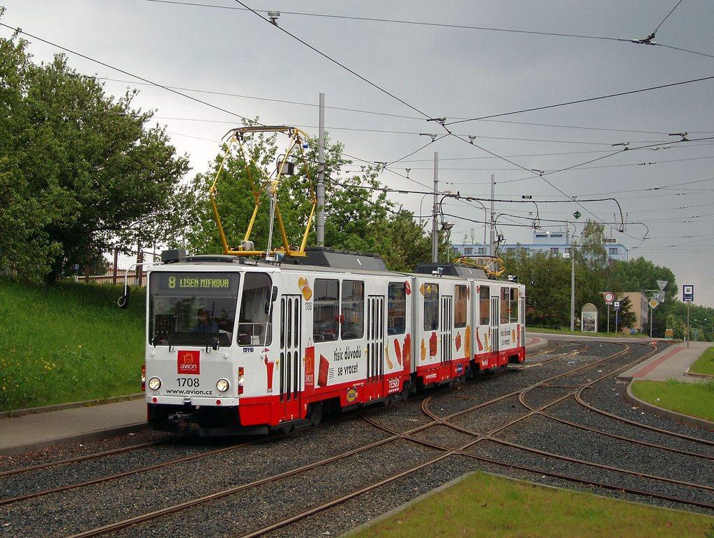 Fotogalerie » ČKD Tatra KT8D5 1708 | Brno | Medlánky | Hudcova | Vozovna Medlánky