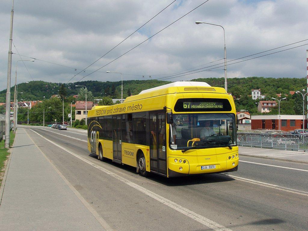 Fotogalerie » TEDOM Tedom 123 G 2J4 5970 2700 | Brno | Komín | Veslařská | Vozovna Komín