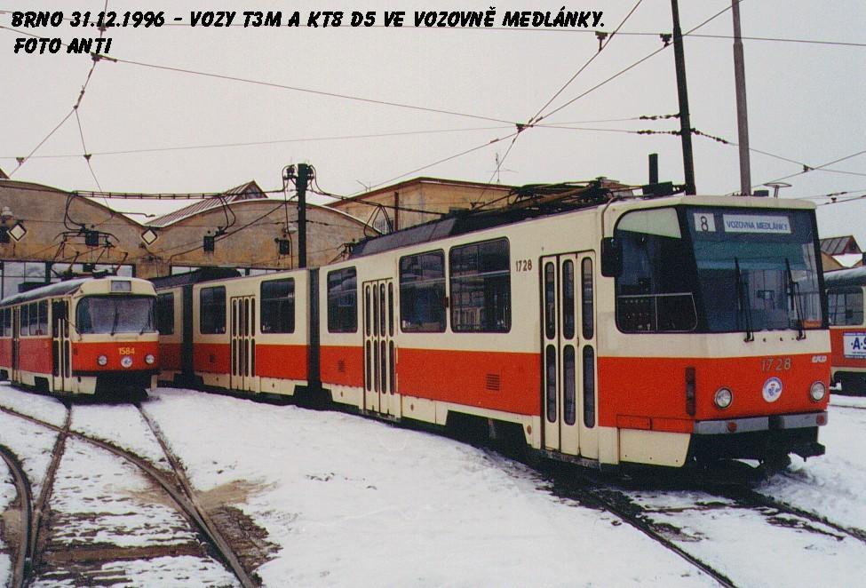 Fotogalerie » ČKD Tatra KT8D5SU 1728 | ČKD Tatra T3M 1584 | Brno | vozovna Medlánky