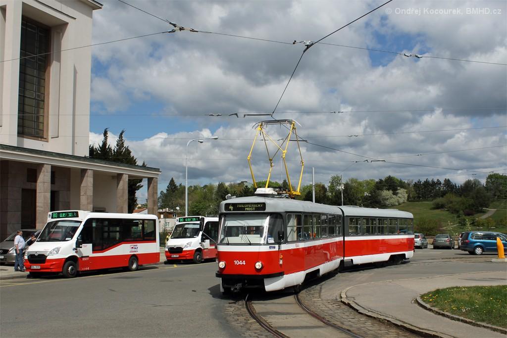 Fotogalerie » ČKD Tatra K2T 1044 | SKD Stratos LF38 D 9B4 6039 7507 | SKD Stratos LF38 D 9B6 1093 7513 | Brno | Masarykova čtvrť | Náměstí míru