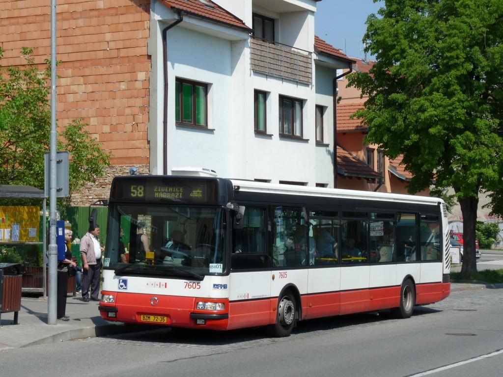 Fotogalerie » Irisbus Citybus 12M 2071.20 BZM 72-35 7605   Brno   Líšeň   náměstí Karla IV.   Náměstí Karla IV.