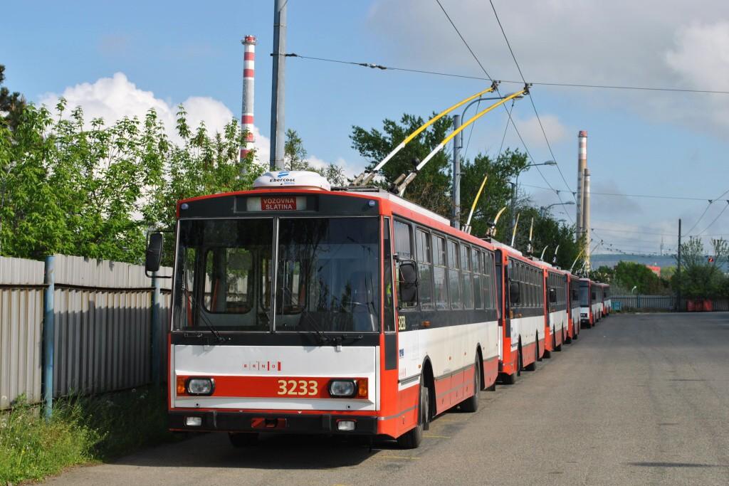 Fotogalerie » Škoda 14Tr10/6 3233   Brno   Slatina   vozovna Slatina