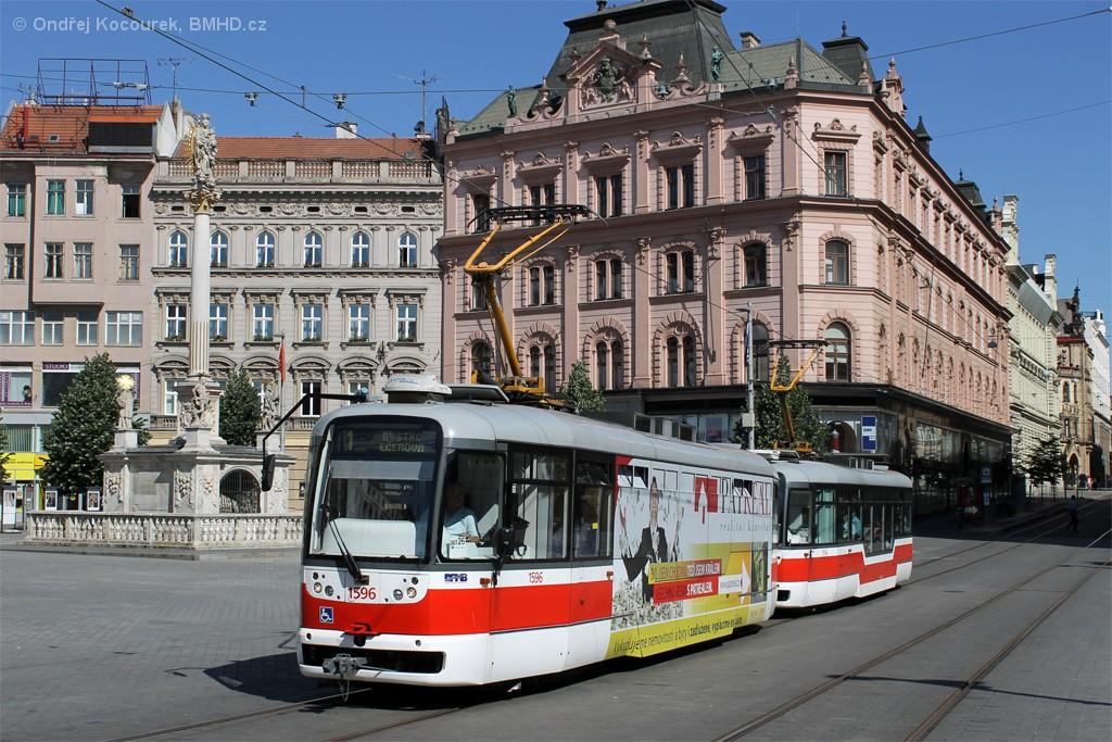 Fotogalerie » Pragoimex VarioLFR.E 1596   Pragoimex VarioLFR.E 1554   Brno   střed   náměstí Svobody