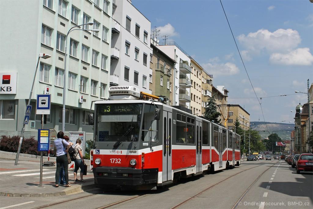 Fotogalerie » ČKD Tatra KT8D5N 1732 | Brno | Černá Pole | Merhautova | Dětská nemocnice
