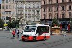 Turistický minibus na náměstí Svobody