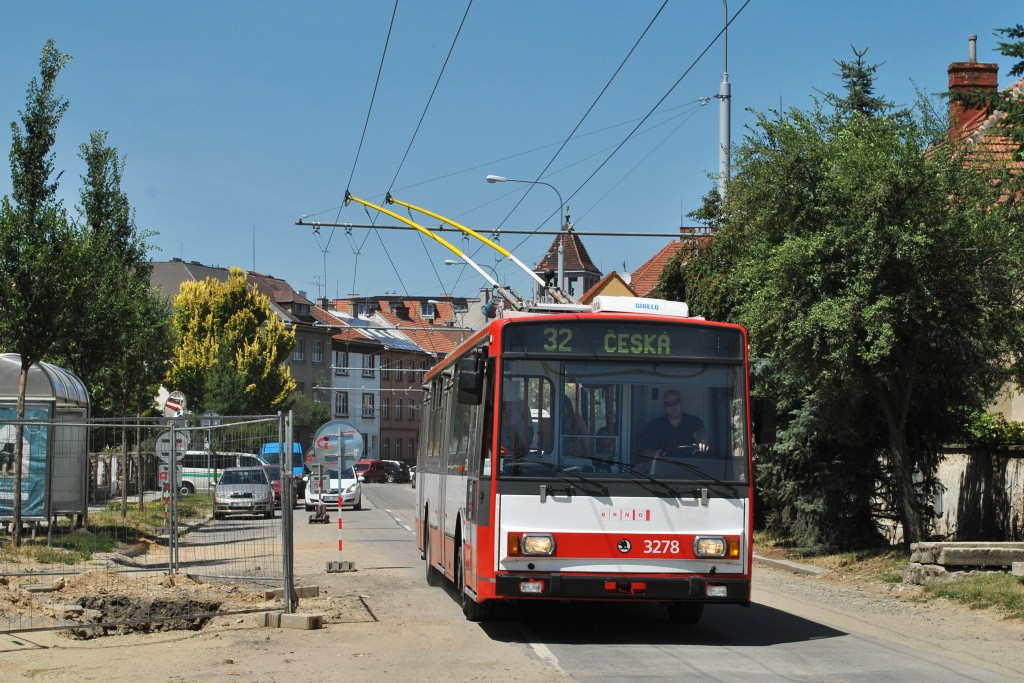 Fotogalerie » Škoda 14Tr17/6M 3278 | Brno | Královo Pole | Charvátská | Charvátská
