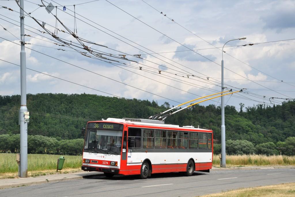 Fotogalerie » Škoda 14Tr17/6M 3274 | Brno | Komín | Řezáčova | Komín, sídliště