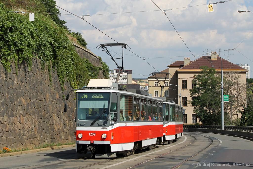 Fotogalerie » ČKD DS T6A5 1209 | ČKD DS T6A5 1210 | Brno | střed | Husova