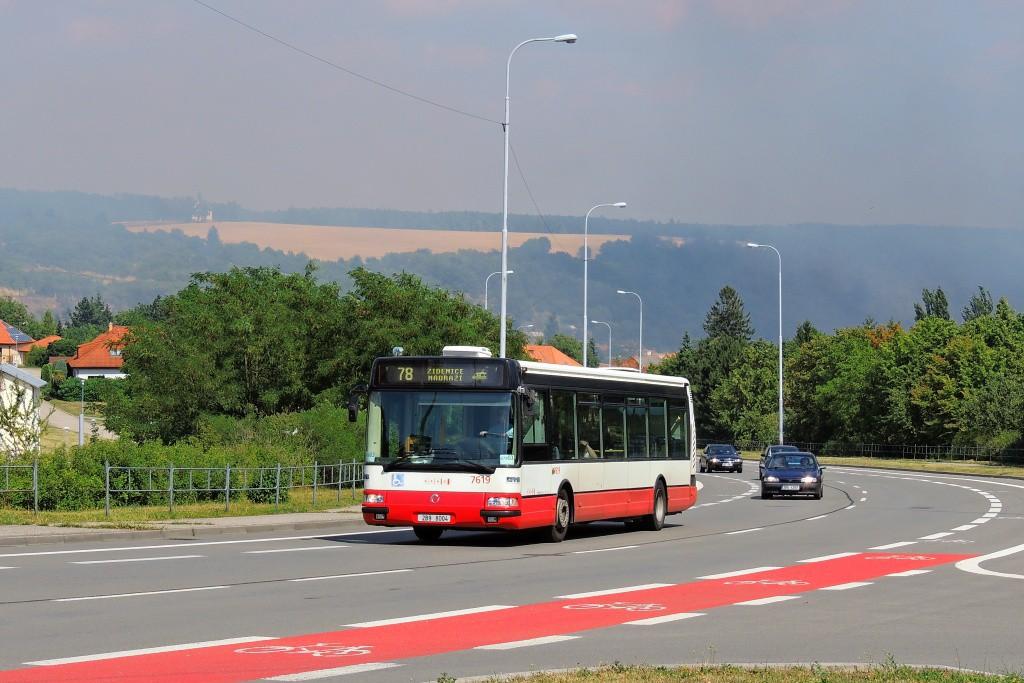 Fotogalerie » Irisbus Citybus 12M 2071.40 2B9 8004 7619 | Brno | Líšeň | Mifkova