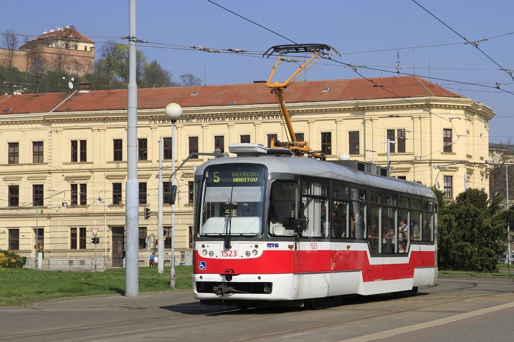 Fotogalerie » Pragoimex VarioLFR.E 1523   Brno   Staré Brno   Mendlovo náměstí   Mendlovo náměstí