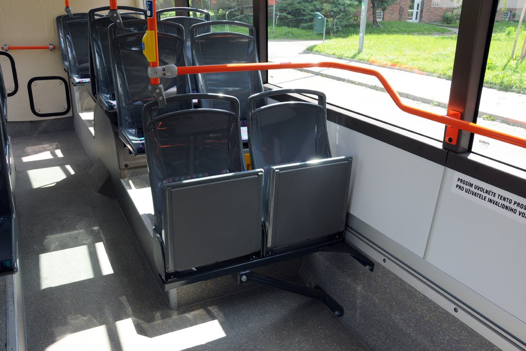 Fotogalerie » Irisbus Citelis 12M CNG 9B7 9157 7008 | Brno