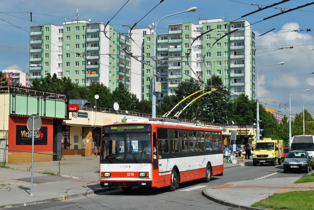 Fotogalerie » Škoda 14Tr08/6 3218 | Brno | Vinohrady | Pálavské náměstí | Pálavské náměstí