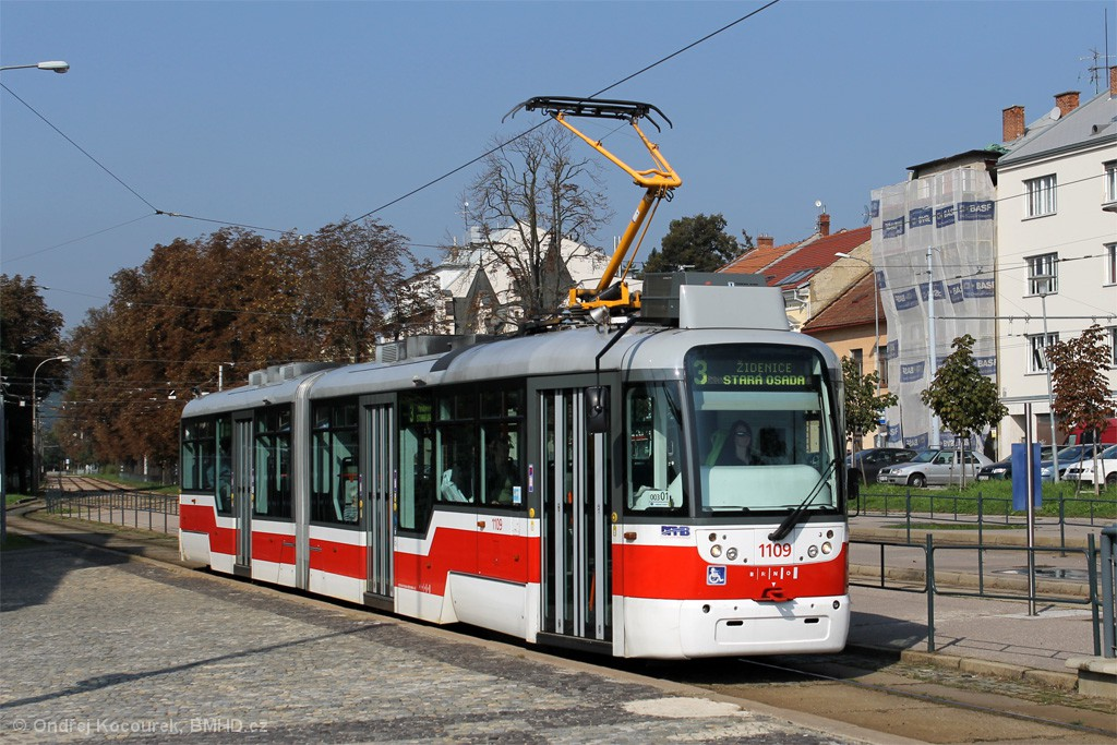 Fotogalerie » Pragoimex VarioLF2R.E 1109 | Brno | Pisárky | Hlinky | Výstaviště, hlavní vstup