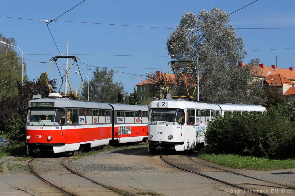Fotogalerie » ČKD Tatra K2 1088 | ČKD Tatra K2 1129 | Brno | Židenice | Stará osada | Stará osada, smyčka