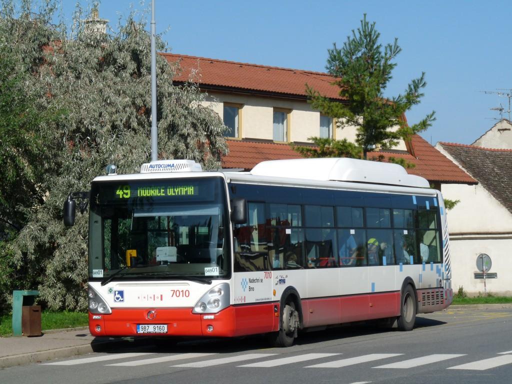Fotogalerie » Irisbus Citelis 12M CNG 9B7 9160 7010 | Brno | Černovice | Faměrovo náměstí | Faměrovo náměstí