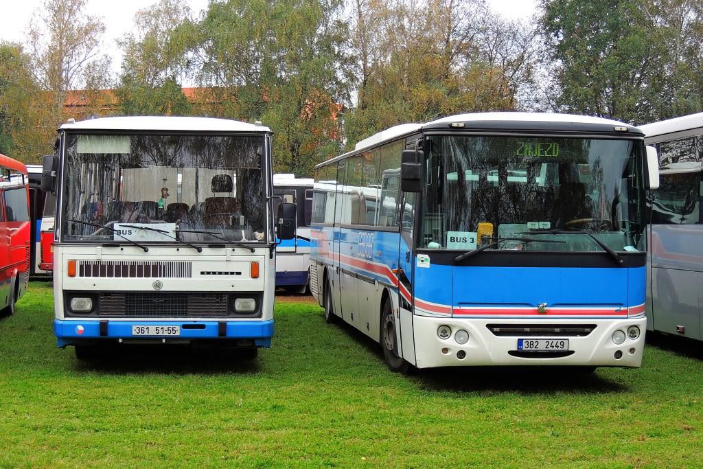Fotogalerie » Karosa Axer 12.8M C956.1076 3B2 2449 | Karosa C734.03 361 51-55 | Mutěnice | parkoviště autobusů