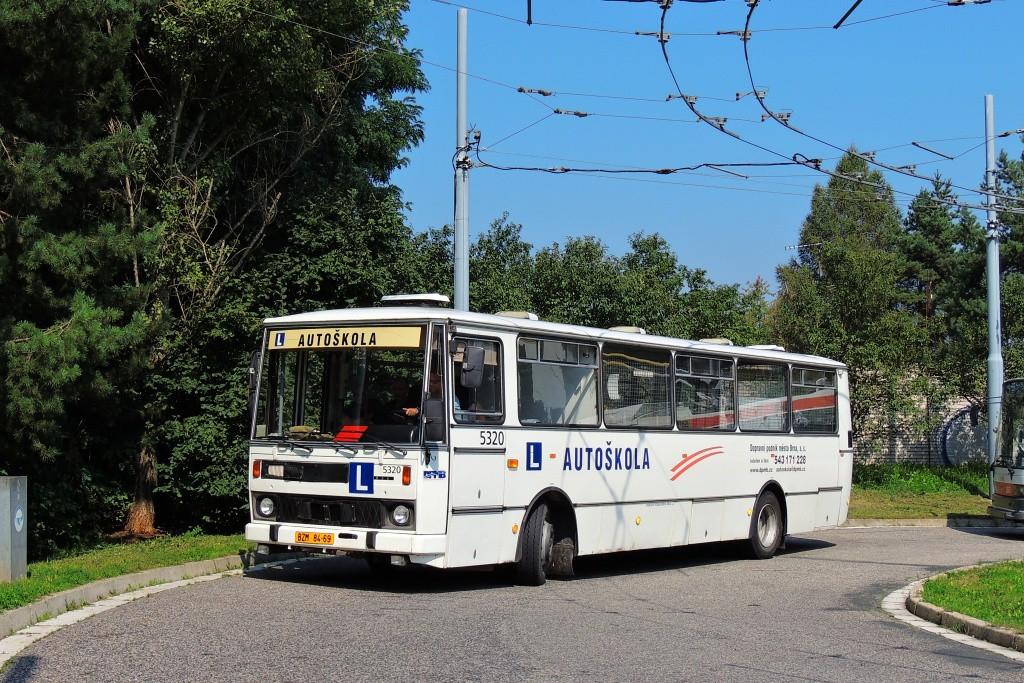 Fotogalerie » Karosa B732.1654.3 BZM 84-69 5320   Brno   Bystrc   Černého   Černého