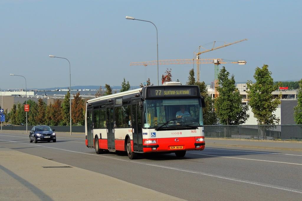 Fotogalerie » Irisbus Citybus 12M 2071.30 BZM 86-68 7615 | Brno | Slatina | Tuřanka