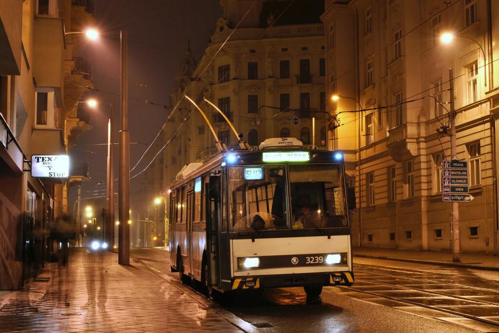 Fotogalerie » Škoda 14Tr10/6 3239 | Brno | Veveří | Nerudova