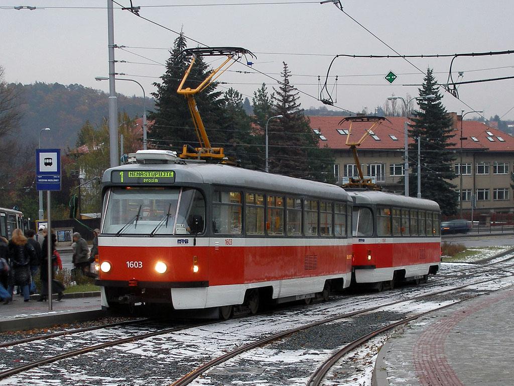 Fotogalerie » ČKD Tatra T3R.PV 1603 | ČKD Tatra T3R.PV 1561 | Brno | Medlánky | Vozovna Medlánky