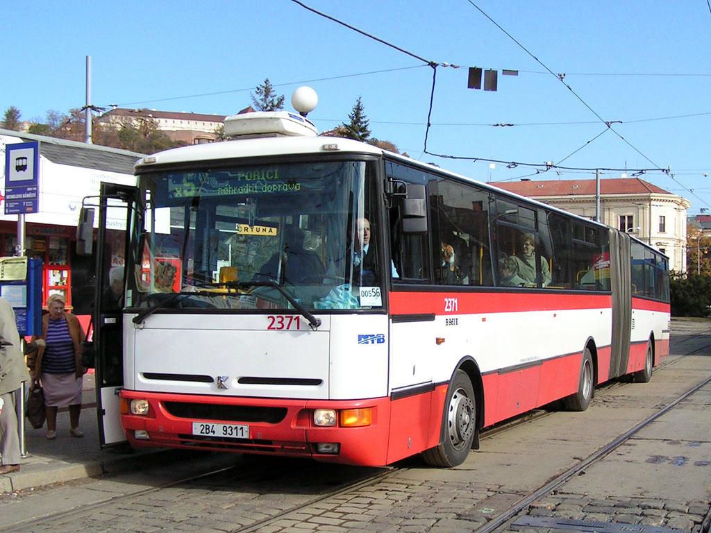 Fotogalerie » Karosa B961E.1970 2371   Brno   Staré Brno   Mendlovo náměstí