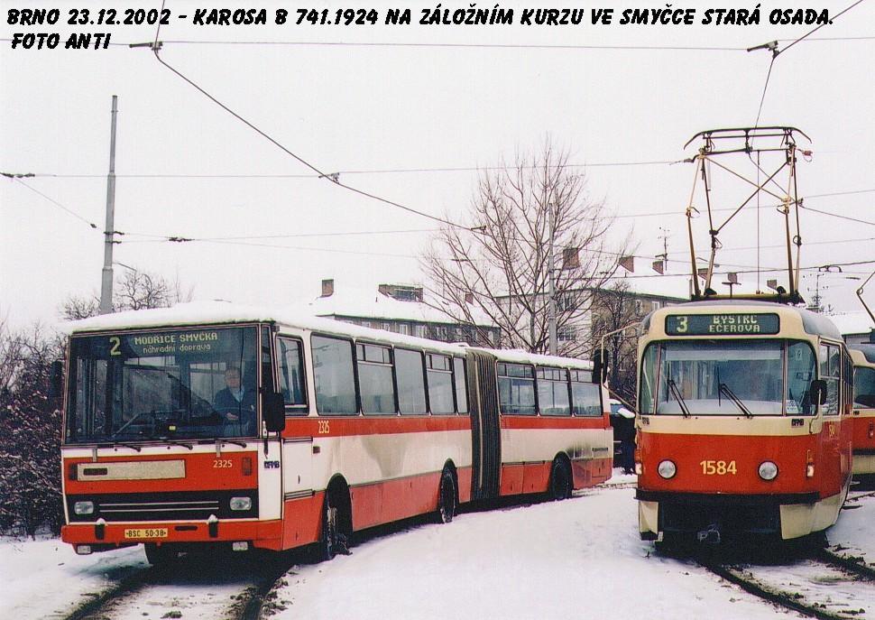 Fotogalerie » Karosa B741.1924 2325 | ČKD Tatra T3M 1584 | Brno | Židenice | Stará Osada, smyčka