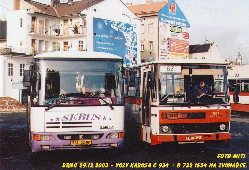 Fotogalerie » Karosa B732.1654 7367 | Karosa C934E.1351 BIA 32-00 | Brno | Trnitá | Zvonařka, smyčka