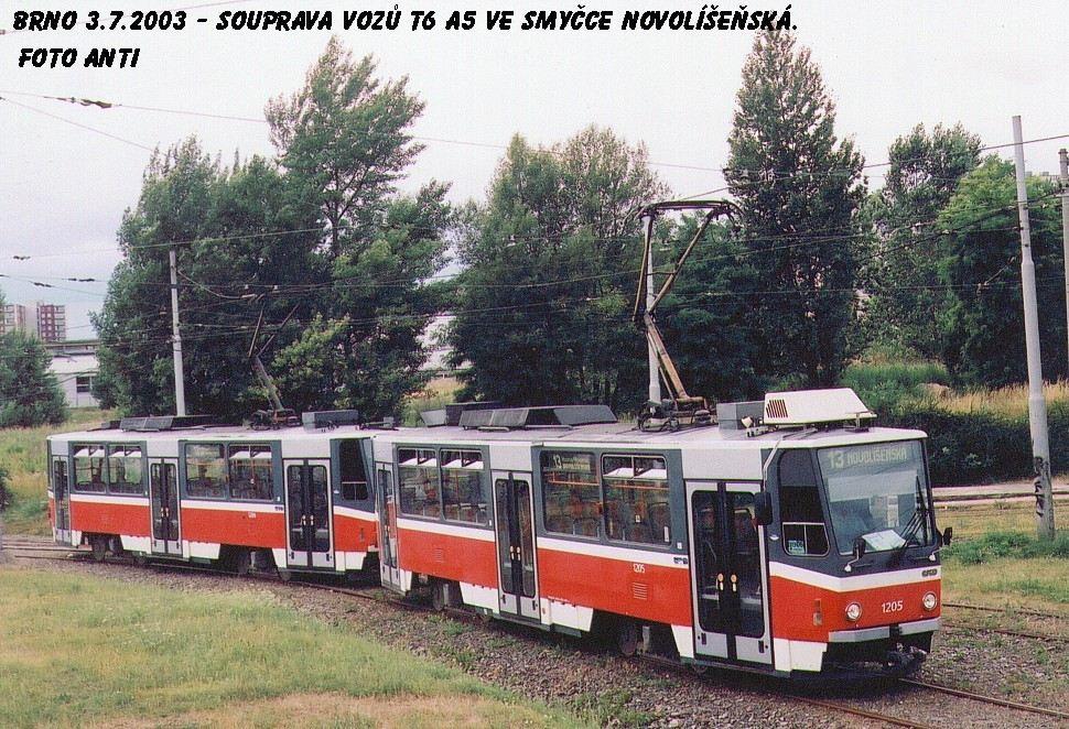 Fotogalerie » ČKD DS T6A5 1205   ČKD DS T6A5 1206   Brno   Líšeň   Novolíšeňská   Novolíšeňská, smyčka
