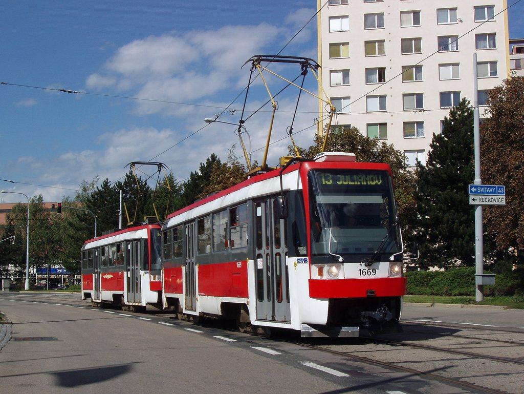 Fotogalerie » ČKD DS T3RF 1669 | ČKD DS T3RF 1670 | Brno | Královo Pole | Purkyňova