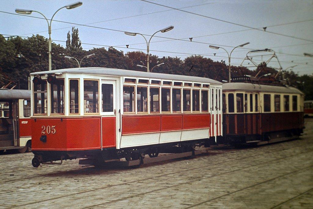 Fotogalerie » Studénka m 205 | KPS Brno mv6.1 81 | Brno | vozovna Pisárky