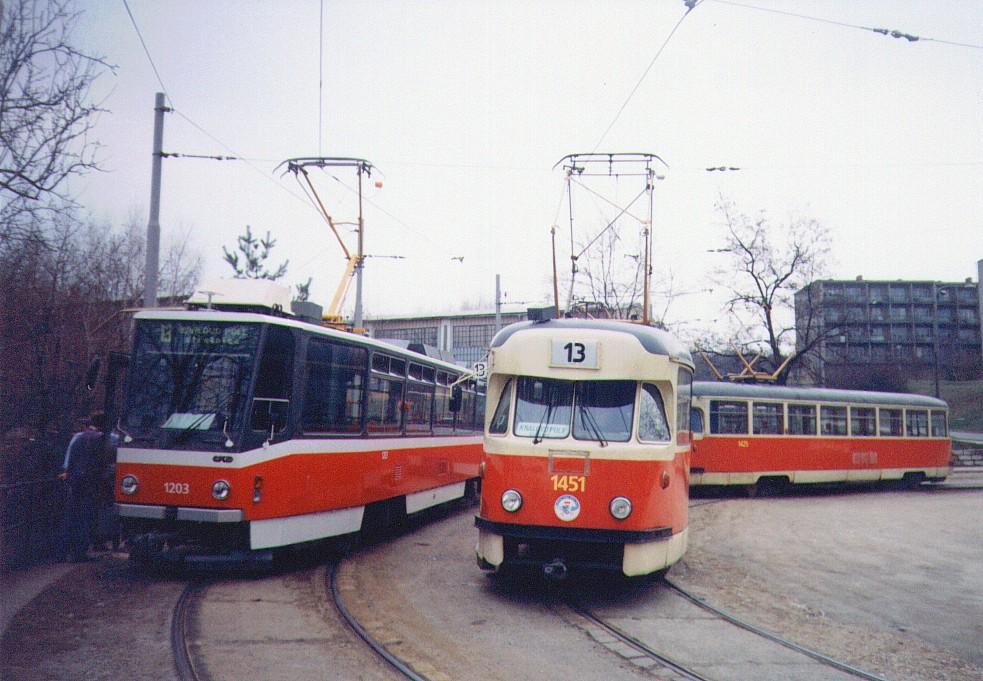Fotogalerie » Tatra T2R 1451 | ČKD DS T6A5 1203 | Brno | Juliánov | Líšeňská | Juliánov
