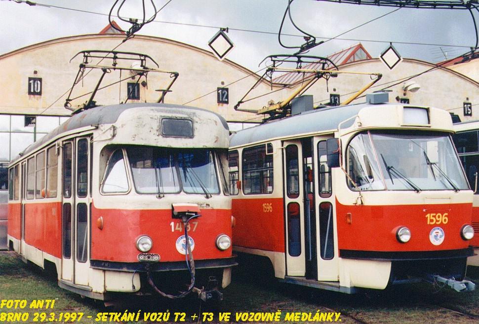 Fotogalerie » Tatra T2R 1487   ČKD Tatra T3 1596   Brno   Medlánky   Vozovna Medlánky
