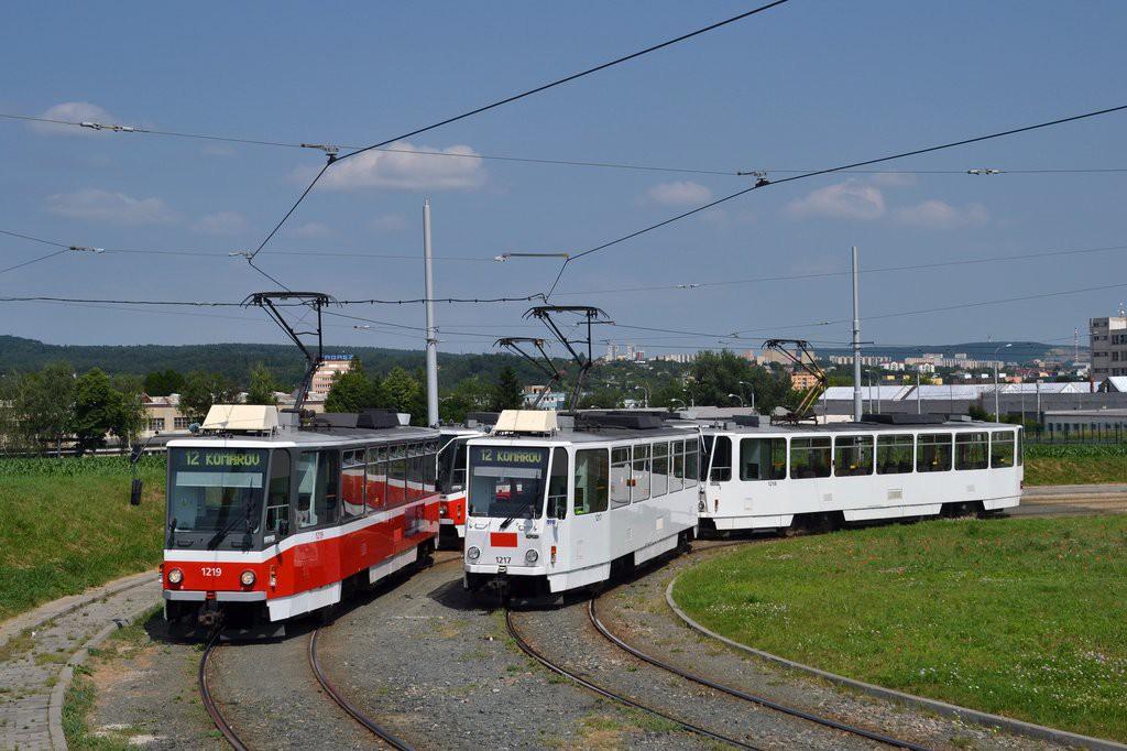 Fotogalerie » ČKD DS T6A5 1217 | ČKD DS T6A5 1218 | ČKD DS T6A5 1219 | ČKD DS T6A5 1220 | Brno | Medlánky | Purkyňova | Technologický park, smyčka