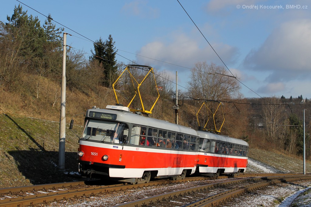 Fotogalerie » ČKD Tatra T3G 1651 | ČKD Tatra T3G 1652 | Brno | Bystrc | Obvodová