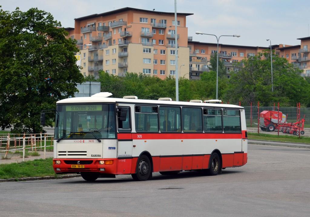 Fotogalerie » Karosa B931E.1707 BSH 16-32 7470 | Brno | Líšeň | Trnkova | Zetor, smyčka