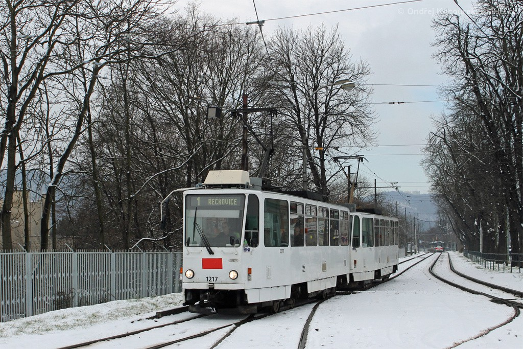 Fotogalerie » ČKD DS T6A5 1217 | ČKD DS T6A5 1218 | Brno | Pisárky | Hlinky