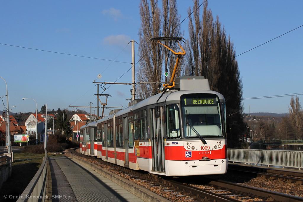 Fotogalerie » Pragoimex VarioLF2R.E 1069 | Pragoimex VarioLFR.E 1590 | Brno | Bystrc | Kníničská