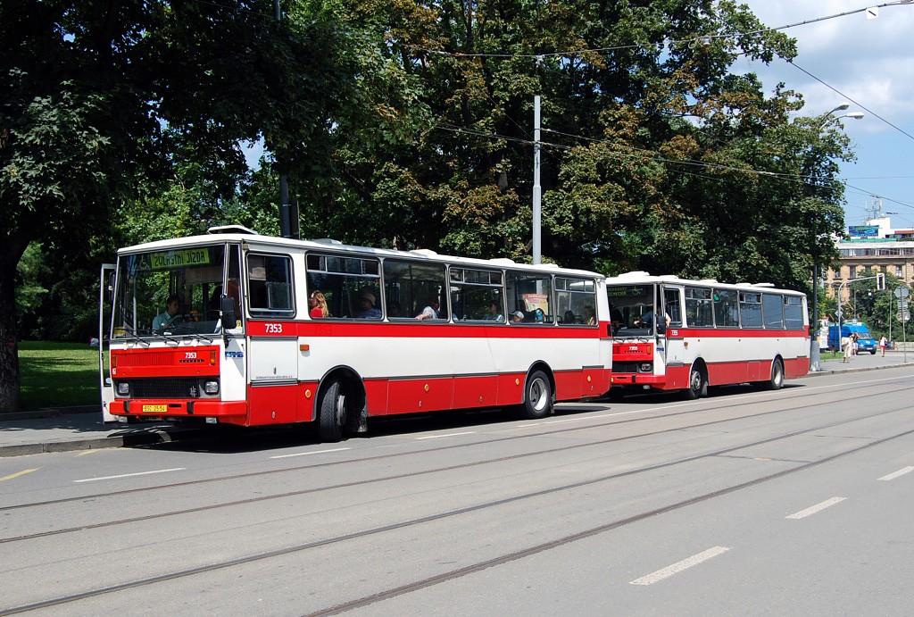 Fotogalerie » Karosa B732.1654 BSC 25-54 7353 | Karosa B732.1654 BSC 25-68 7355 | Brno | střed | Moravské náměstí | Česká