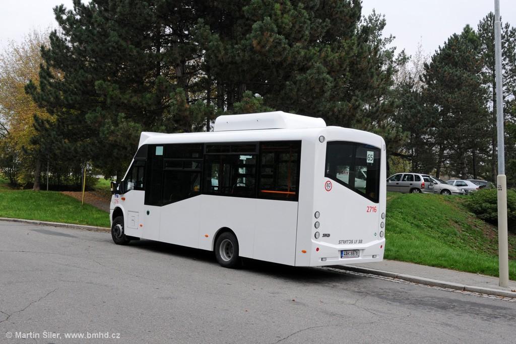 Fotogalerie » SKD Iveco Stratos LF 38 CNG 4AH 6978 2716 | Brno | Řečkovice | Kárníkova | Řečkovice, hřbitov