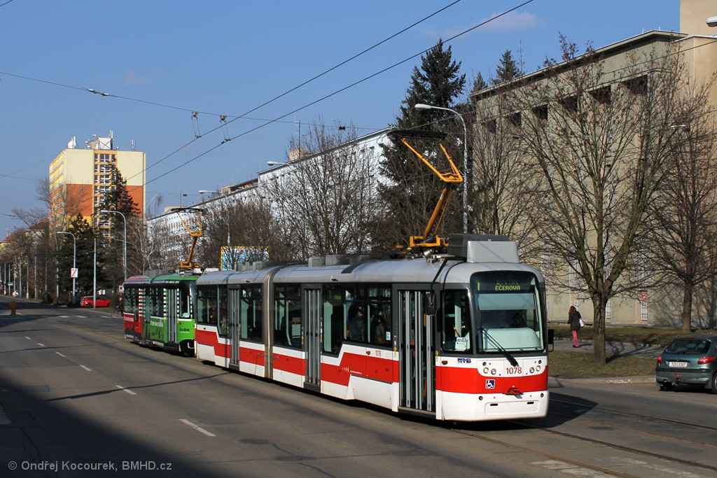 Fotogalerie » Pragoimex VarioLF2R.E 1078 | Pragoimex VarioLFR.E 1586 | Brno | Veveří | Kounicova