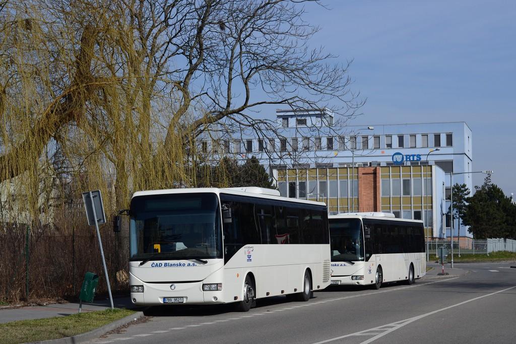 Fotogalerie » Irisbus Crossway 12M 7B9 9521 | Irisbus Crossway LE 12M 9B4 1760 | Brno | Židenice | Koperníkova | Koperníkova