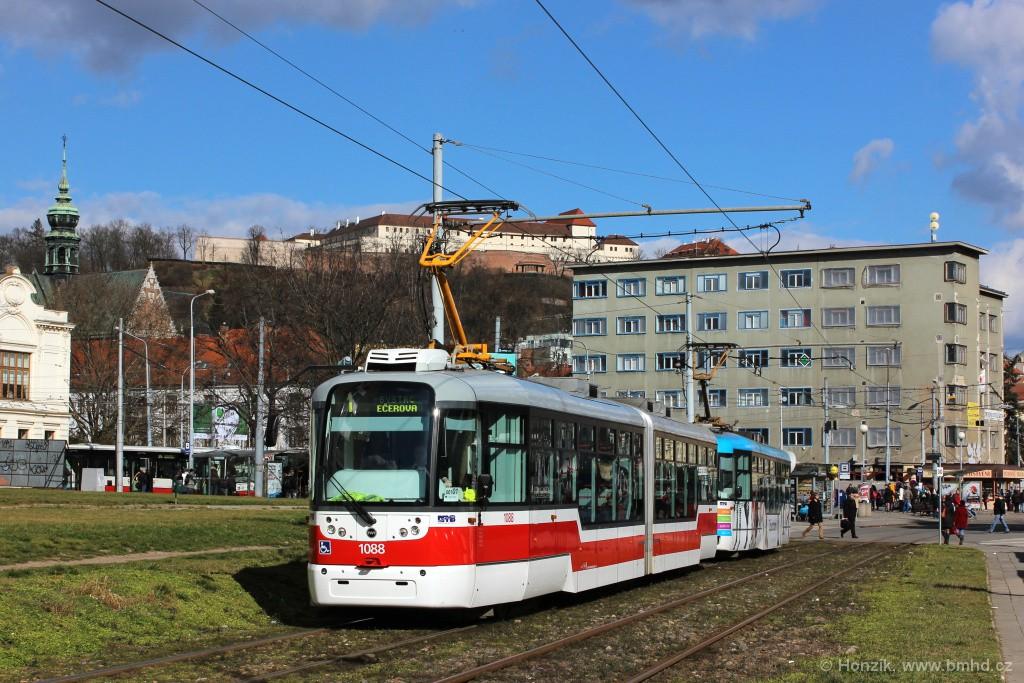 Fotogalerie » Pragoimex VarioLF2R.E 1088 | Pragoimex VarioLFR.E 1556 | Brno | Staré Brno | Veletržní